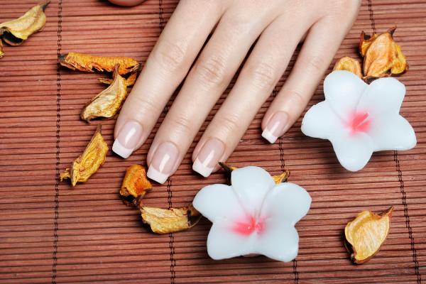 Desideri unghie perfette? Rivolgiti a Estetica Nerone
